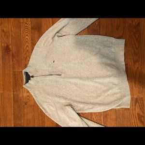 Men's vineyard vines sweater with cashmere